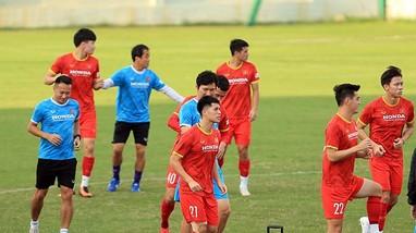 Đình Trọng báo tin vui cho thầy Park; Hồ Tấn Tài nói về trận ĐT Việt Nam đấu ĐT Trung Quốc