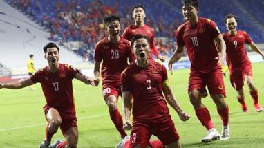 Cầu thủ Malaysia nói gì trước khi Quế Ngọc Hải sút 11 m?; Tuyển Việt Nam được thưởng nóng 3 tỷ đồng