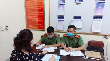 Hai phụ nữ ở Nghệ An bị đề nghị xử lý vì đăng thông tin xuất hiện ca dương tính ở công ty may