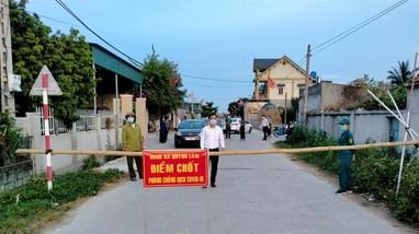 Cho phép F1 về nhà thăm vợ con, Chủ tịch xã ở Nghệ An bị đình chỉ công tác