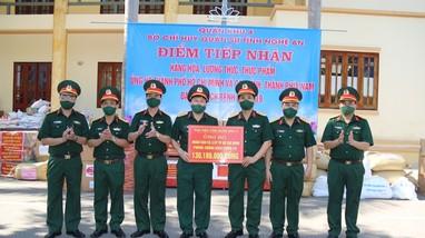 Bộ CHQS tỉnh tiếp nhận gần 12 tấn hàng hóa ủng hộ TP. Hồ Chí Minh và các tỉnh, thành phía Nam