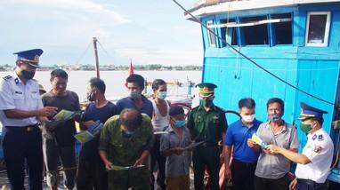 Bộ Tư lệnh Vùng Cảnh sát biển 1 chung tay tháo gỡ 'thẻ vàng' EC