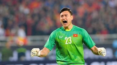 HLV Park đau đầu với bài toán Đặng Văn Lâm; V.League 2021 có cho khán giả vào sân?