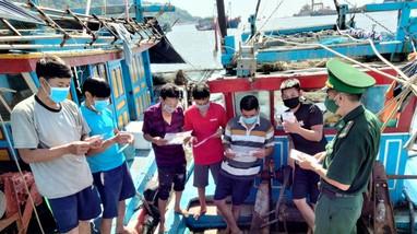 Tuyên truyền phòng chống dịch Covid - 19 cho các thuyền viên tại khu vực biên giới biển
