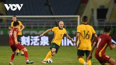 HLV Australia dành lời khen cho ĐT Việt Nam; HLV Park giải thích vì sao Văn Lâm thay Tấn Trường