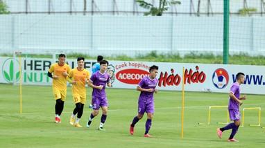 Ông Park đôn cầu thủ 'khắc tinh' Công Phượng lên tuyển; Điều khoản đặc biệt trong hợp đồng của Messi