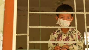 Cuộc sống xa gia đình của những đứa trẻ trong khu cách ly tập trung huyện vùng cao Nghệ An