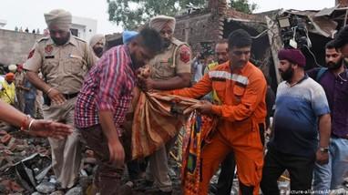 Ít nhất 15 người tử vong trong vụ nổ nhà máy sản xuất pháo hoa ở Ấn Độ