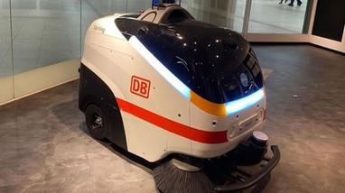 Đức thử nghiệm robot làm sạch virus SARS-CoV-2 tại sân bay