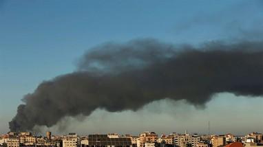 Israel nã bom vào nhà thủ lĩnh Hamas, đối phương đáp trả bằng rocket
