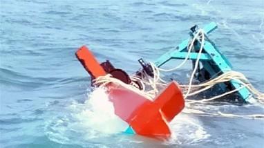 Một ngư dân tử vong khi lặn khắc phục sự cố chìm tàu