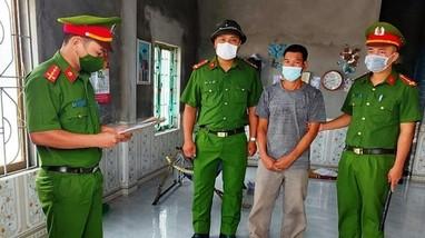Bắt giam người đánh chủ tịch xã đang điều hành chống dịch