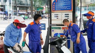 Giá xăng tăng mạnh sau Tết