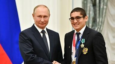 Nhà vô địch Olympic Tokyo mời Tổng thống Putin tham gia tập luyện quyền Anh
