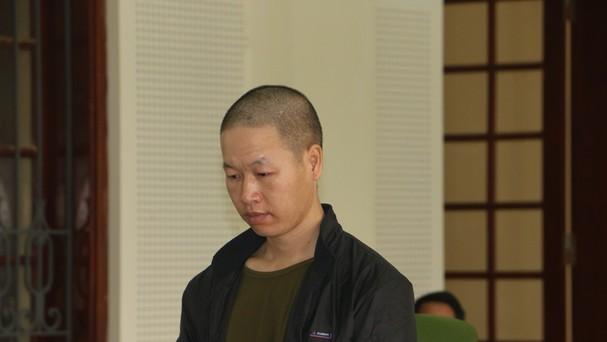Bị cáo Lầu Bá Chù tại phiên tòa.