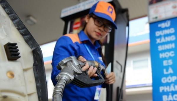 Giá xăng có thể tăng mạnh.