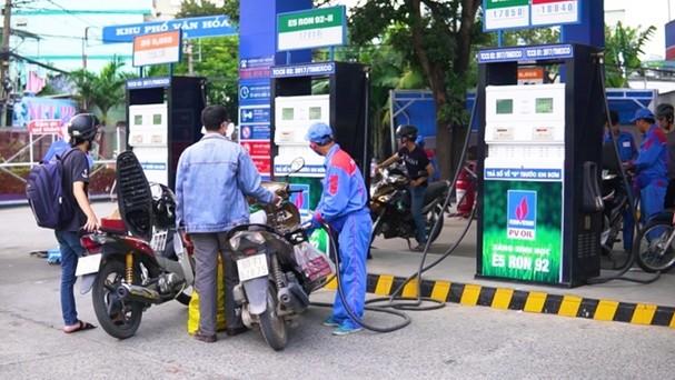 Giá xăng tăng cao nhất từ đầu năm