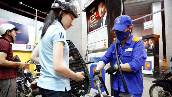 Xăng dầu tiếp tục giảm giá. Ảnh minh họa