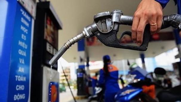 Từ 15h, mỗi lít xăng E5 RON92 hạ 51 đồng, các mặt hàng dầu cũng giảm 117-390 đồng