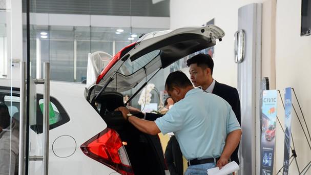 Nhiều khách hàng có tâm lý chờ đợi ô tô miễn thuế nhập khẩu về VN mới đưa ra quyết định