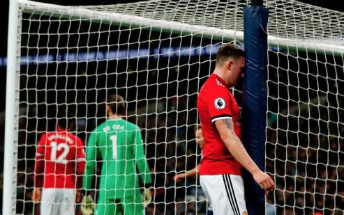 Thủng lưới sau 11 giây, Man Utd bại trận trước Tottenham
