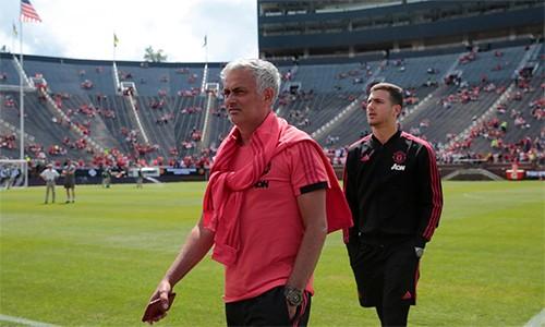 """""""Hãy sa thải tôi đi""""- Mourinho kêu gọi"""