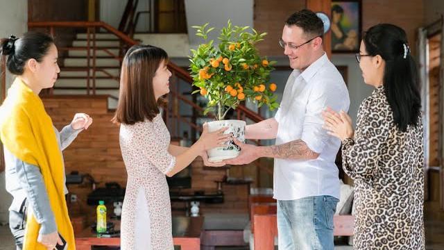 Người nước ngoài ở Nghệ An vui đón Tết cổ truyền ấm áp