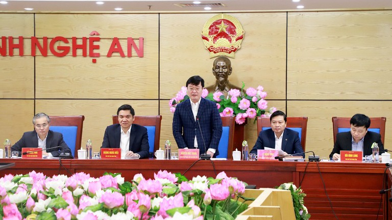 UBND tỉnh họp phiên thường kỳ tháng 3/2021