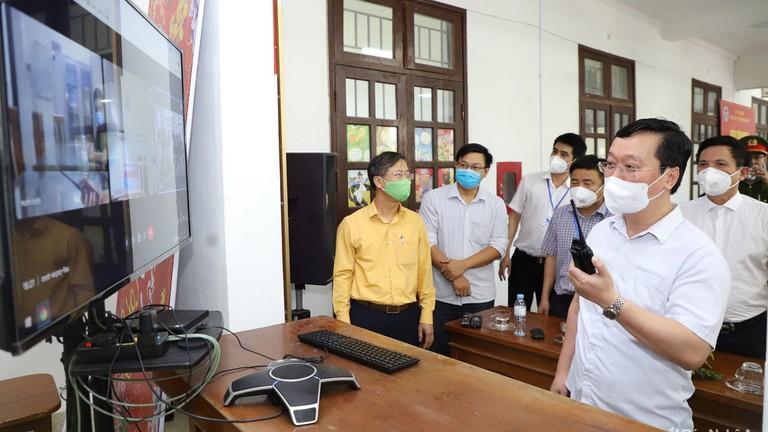 Video: Chủ tịch UBND tỉnh Nghệ An thăm, kiểm tra tại các đơn vị tuyến đầu phòng, chống dịch