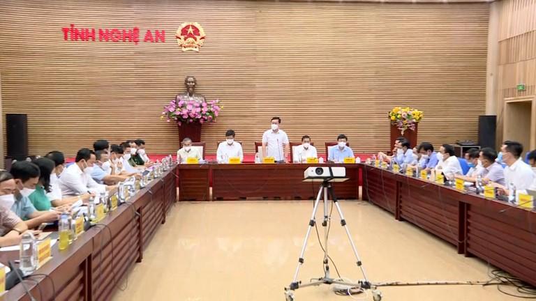 Video: Chủ tịch UBND tỉnh Nghệ An chỉ đạo kiểm soát, ngăn chặn dịch Covid-19 theo 2 hướng