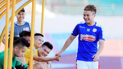 Phi Sơn khát khao cống hiến trọn đời cho đội bóng quê hương; Sài Gòn FC chiêu mộ ngoại binh cũ của Thanh Hóa