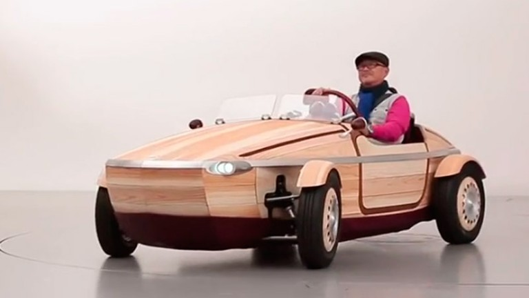 Xe hơi bằng gỗ - kiệt tác của Toyota