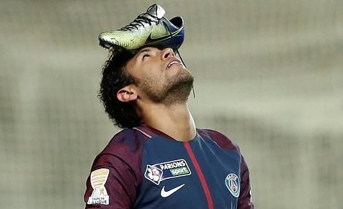 Neymar đội giày lên đầu, PSG vào bán kết Cup Liên đoàn Pháp