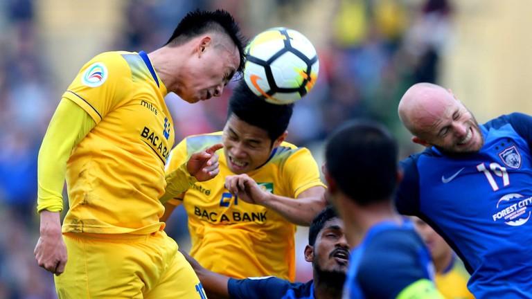 Đã đến lúc, Sông Lam Nghệ An buông AFC Cup?