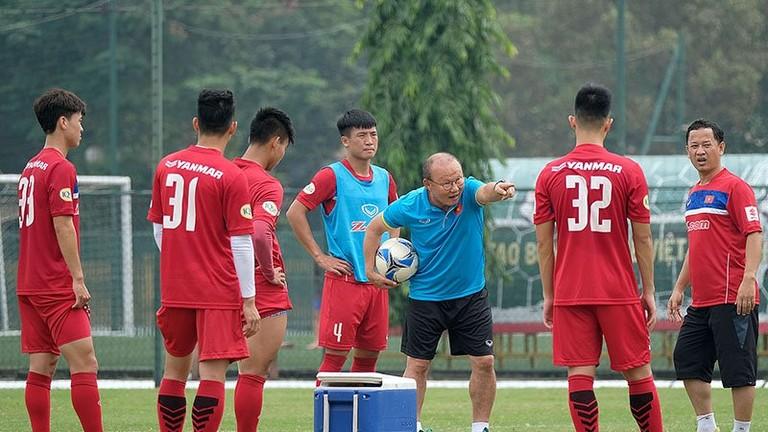 Hai lý do thầy Park phải hoãn ngày luyện công tuyển Olympic Việt Nam