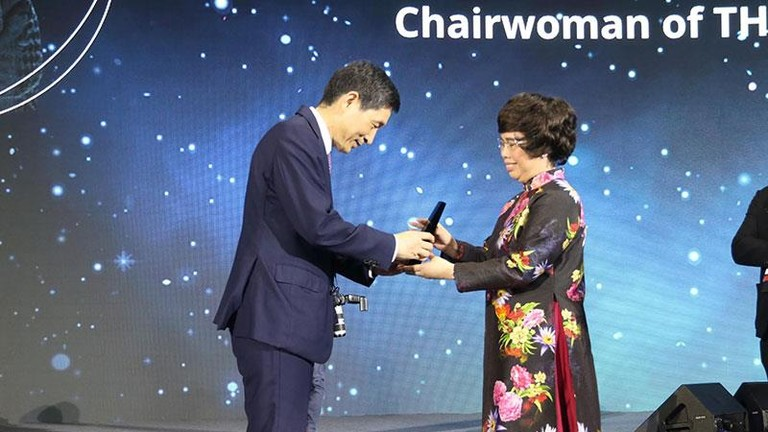 Nữ doanh nhân Việt được tôn vinh đặc biệt tại Diễn đàn tri thức thế giới 2019