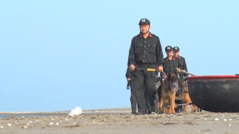 Chó nghiệp vụ - những 'chiến sỹ đặc biệt' của cảnh sát cơ động Nghệ An