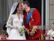 Những bộ váy cưới hoàng gia Anh đẹp nhất mọi thời đại