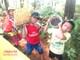 Trẻ em xứ Nghệ leo đồi hái sim