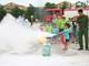 Hơn 130 phụ huynh và trẻ em trải nghiệm kỹ năng phòng cháy chữa cháy