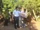 Trao bò sinh sản trị giá 24 triệu đồng cho hộ nghèo