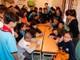 Học sinh Trường Phượng Hoàng giao lưu với các bạn nhỏ khuyết tật