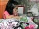 Nghị lực và đam mê của cô gái mắc bệnh xương thủy tinh