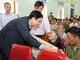 Bí thư Tỉnh ủy Nguyễn Đắc Vinh trao quà chúc Tết người nghèo ở huyện Yên Thành