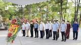 Đoàn đại biểu Nghệ An tưởng niệm các anh hùng liệt sĩ tại Nghĩa trang liệt sĩ Trường Sơn