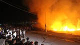 Nỗ lực cứu 4 tàu cá bị cháy trong đêm ở Nghệ An