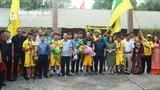 Người hâm mộ xứ Nghệ chào đón các nhà vô địch U15 SLNA trở về