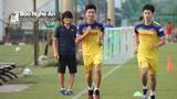 Phan Văn Đức và các tuyển thủ xứ Nghệ hăng say tập luyện cùng ĐT Việt Nam