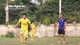 HLV Ngô Quang Trường và cái duyên với cầu thủ trẻ SLNA