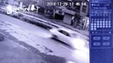 Công an công bố hình ảnh để truy tìm kẻ gây tai nạn chết người rồi bỏ trốn